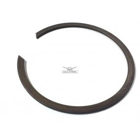 Кольцо стопорное подшипника первичного вала 50208 (наружнее)
