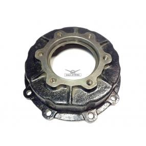 Крышка картера колесного редуктора моста