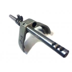 Шток переключения 1 и 2 передачи 5-ти ступенчатой КПП DYMOS (43640T00220) с вилкой и головкой