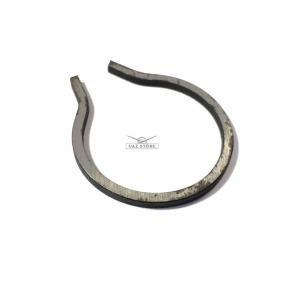 Кольцо стопорное подшипника заднего вторичного вала