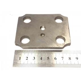 Накладка шкворня - поворотного кулака переднего моста верхняя (с отверстием под пресс-масленку)