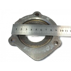Крышка подшипника РК вала привода переднего моста (3 отверстия)