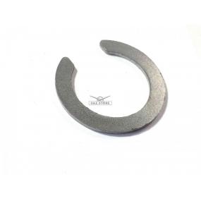 Кольцо стопорное подшипника (102304) наружного ведущей шестерни колесного редуктора заднего моста